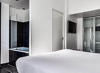 1K Paris bedroom