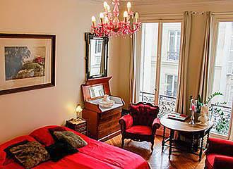 A Room in Paris Bedroom 3