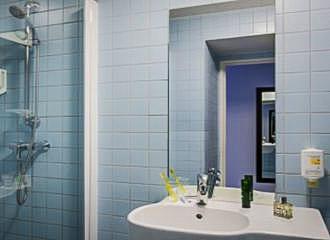 Adagio Access Aparthotel Paris Bastille Bathroom