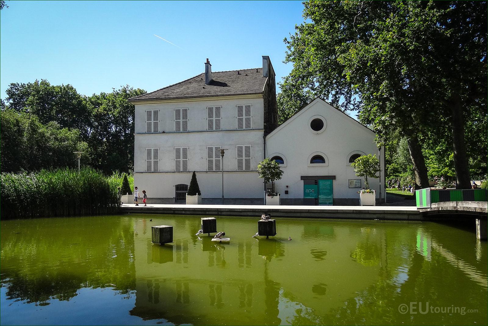Photographs of the Agence Parisienne du Climat in Parc de Bercy