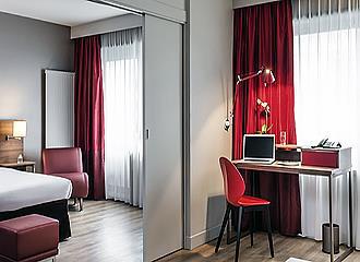 Bedroom at Aparthotel Adagio Access Paris Bercy Village