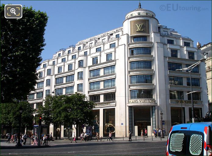 Photo Of The Avenue Des Champs Elysees In Paris