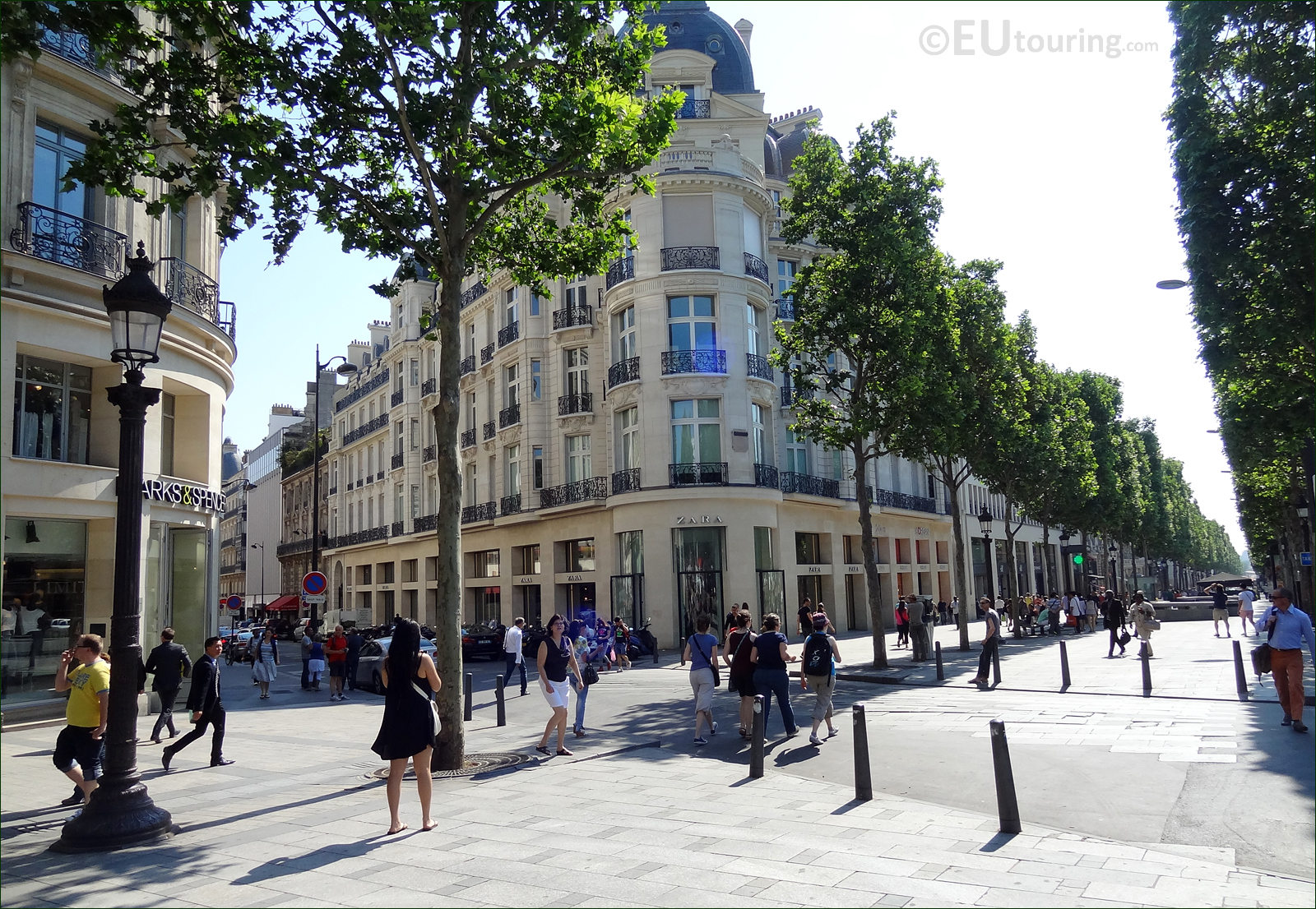 hd photos of avenue des champs elysees in paris france. Black Bedroom Furniture Sets. Home Design Ideas