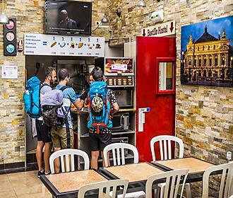 Bastille Hostel breakfast room