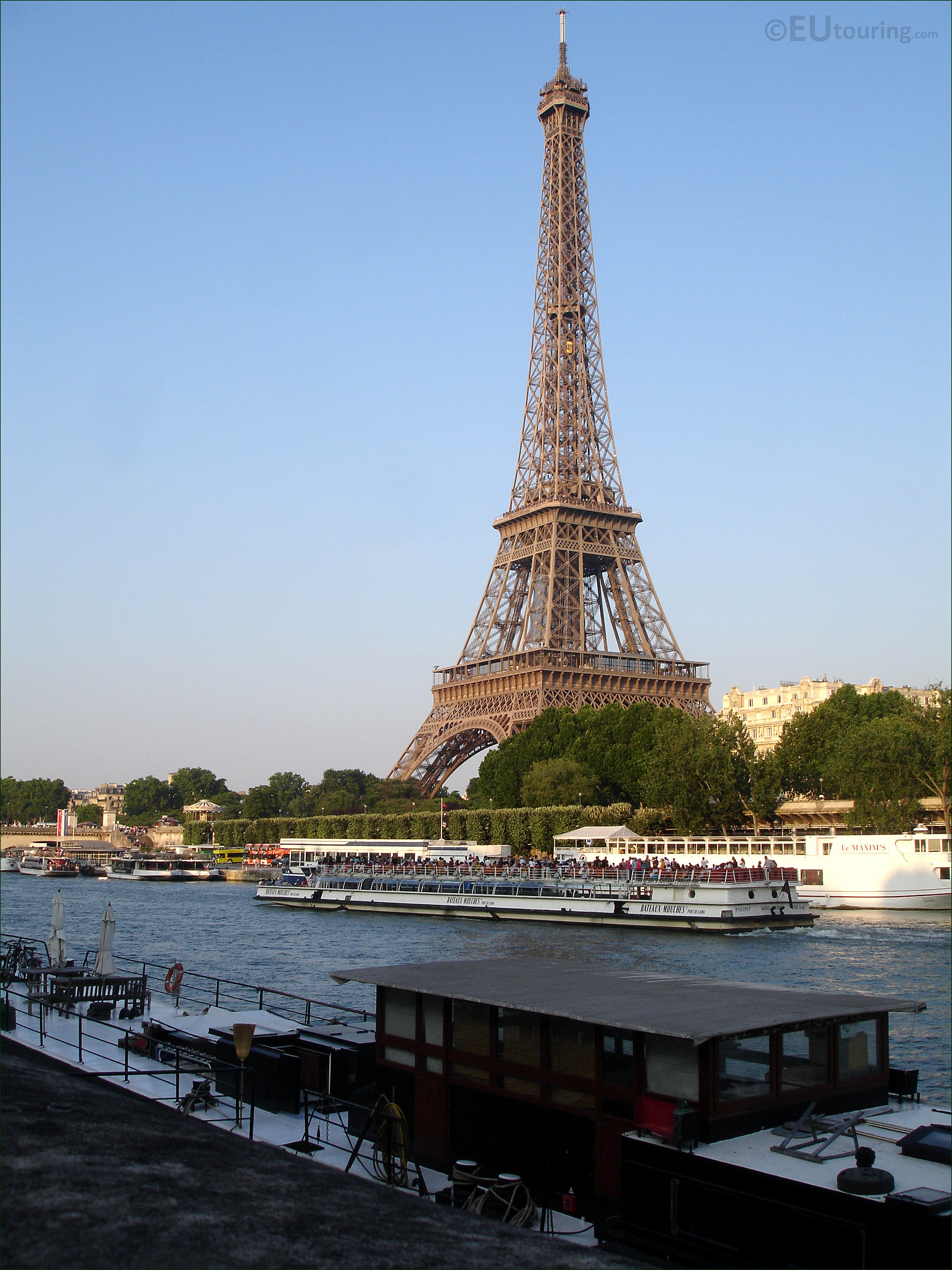 hd photos of the bateaux mouches cruise boats in paris page 1. Black Bedroom Furniture Sets. Home Design Ideas