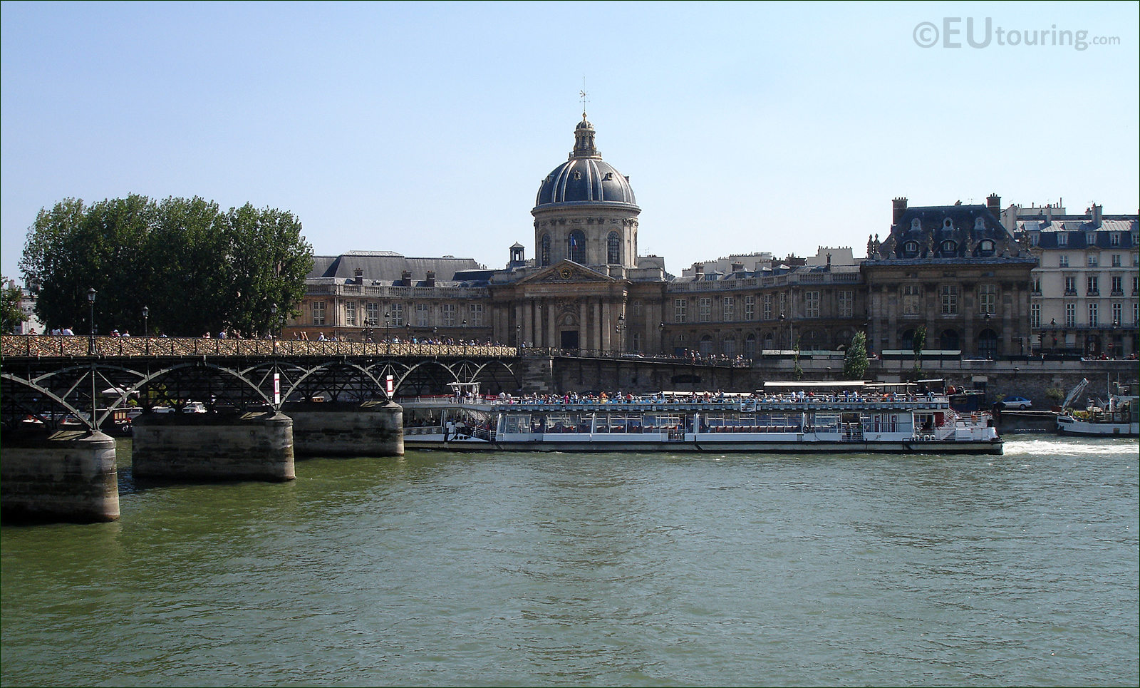 photo images of bateaux mouches cruise boats in paris image 4. Black Bedroom Furniture Sets. Home Design Ideas