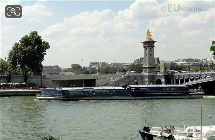 Bateaux Mouches Boats At The Pont Alexandre III