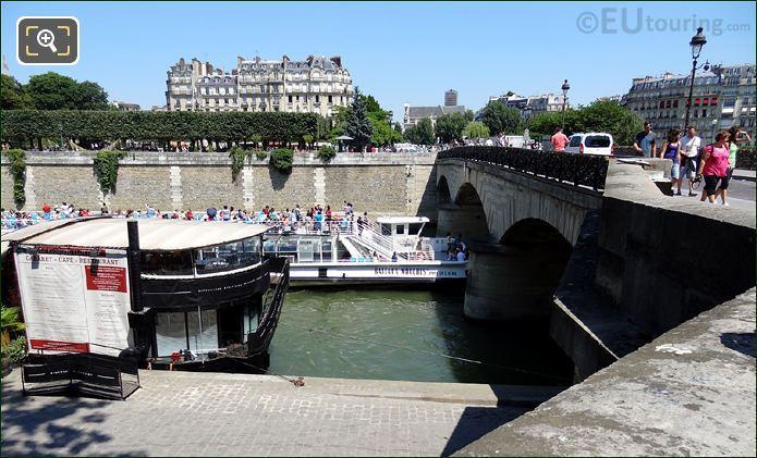 Bateaux Mouches Boat At The Ile de la Cite