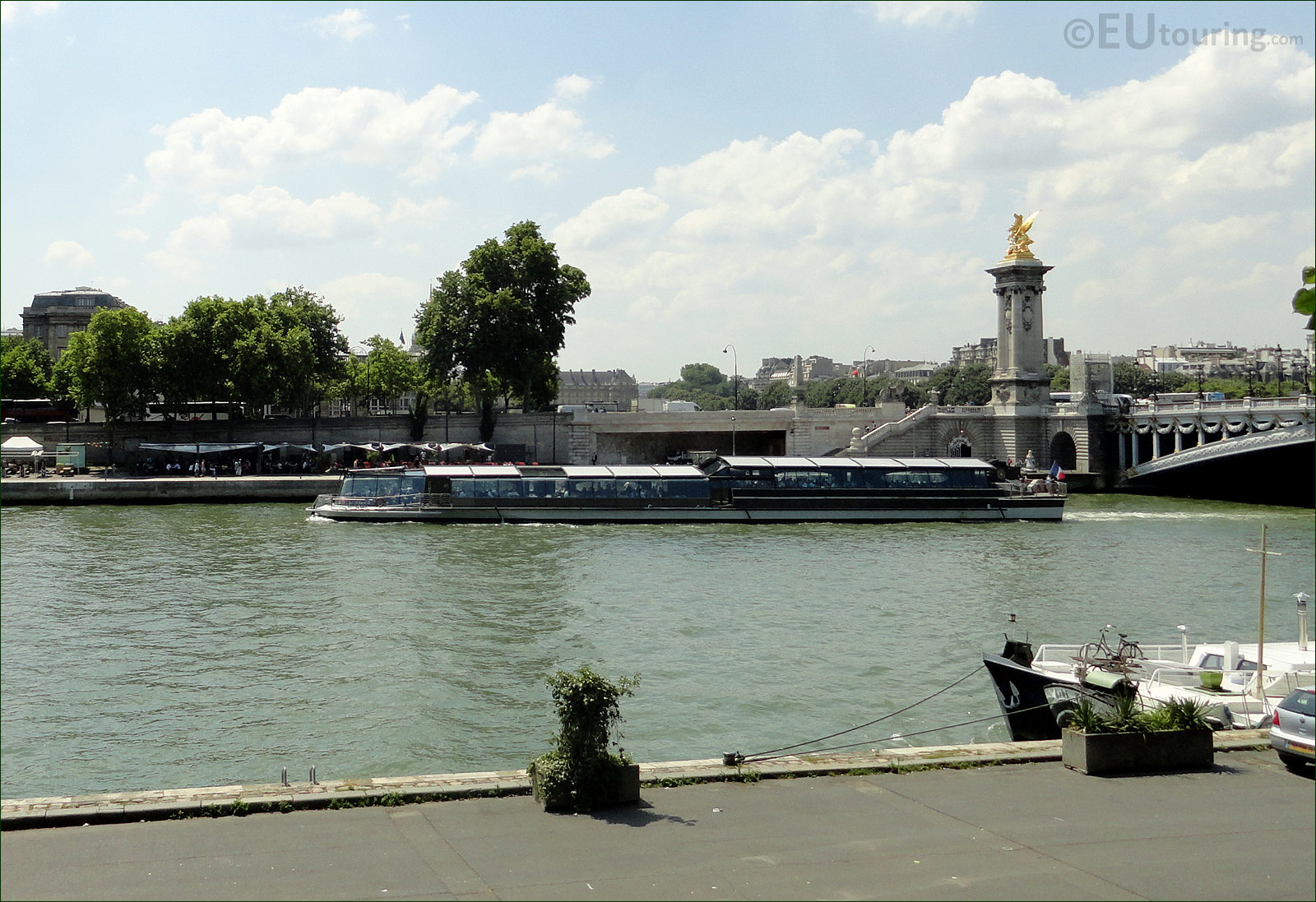 photo images of bateaux parisiens cruise boats in paris image 19. Black Bedroom Furniture Sets. Home Design Ideas