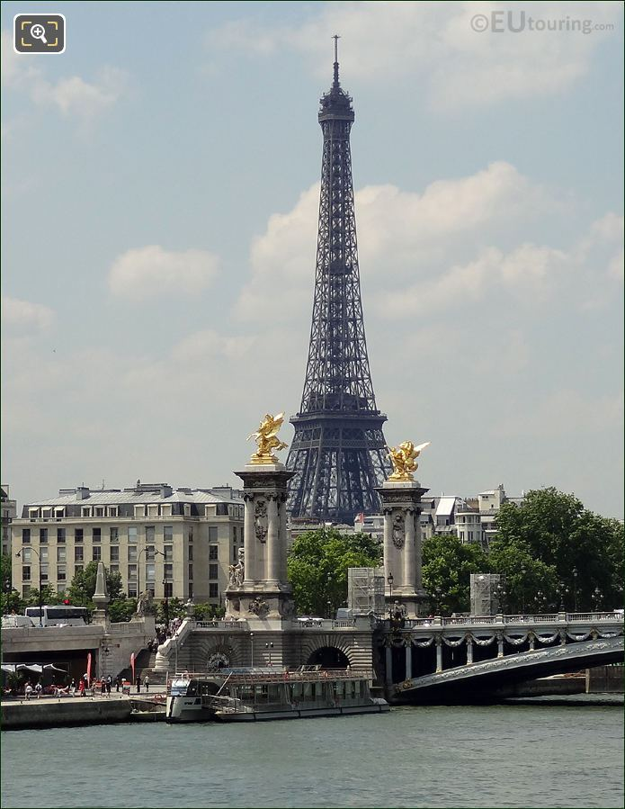 Bateaux Parisiens Boat At The Pont Alexandre III