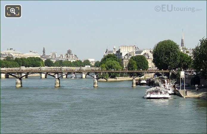 Batobus Pont Des Arts Stop