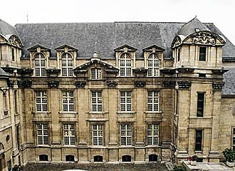 Library On The History Of Paris