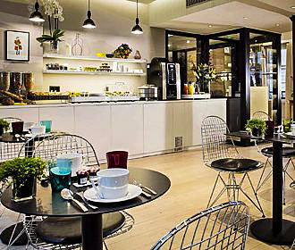 Cler Hotel Breakfast Room
