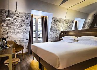 Cler Hotel Bedroom