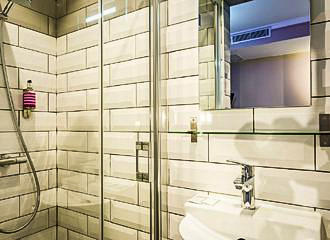 District Republique Hotel Bathroom