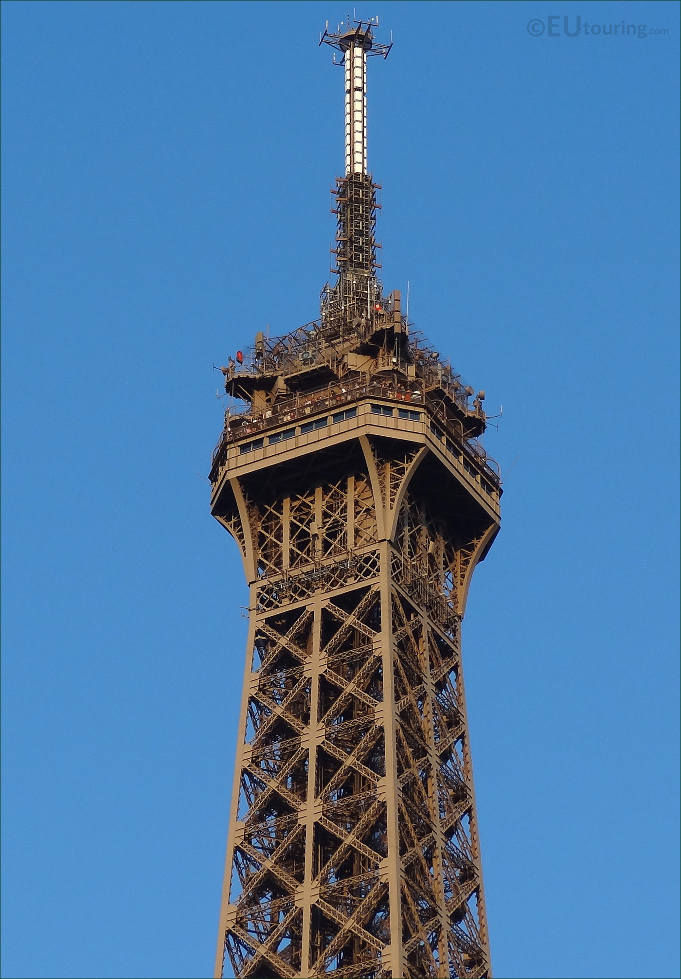 Steps To Eiffel Tower Top : Hd photo of the eiffel tower top section and viewing