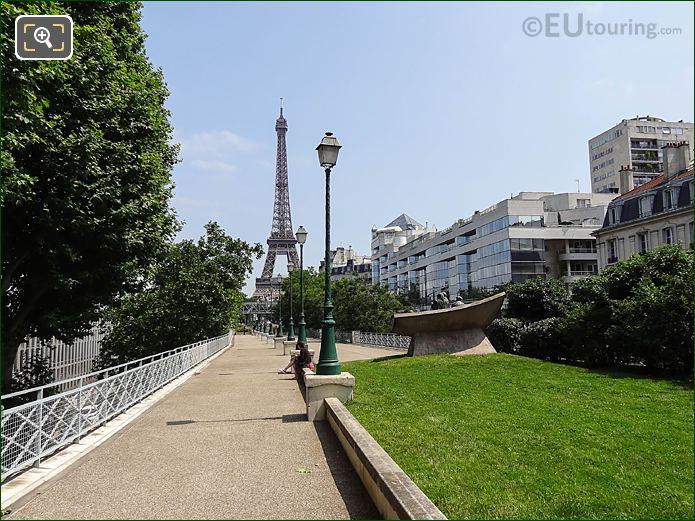 Eiffel From Place Des Martyrs Juifs Du Velodrome d Hiver