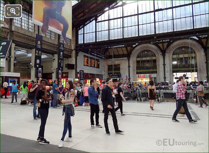 Gare De Lyon Hall 1 Escalators
