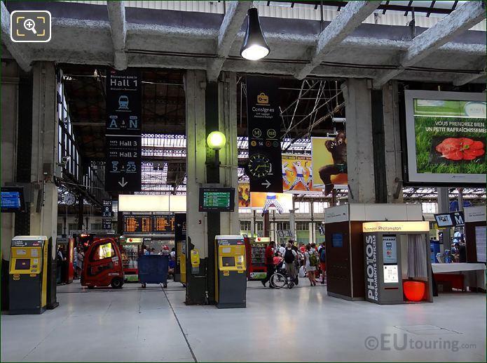 Gare De Lyon Information Signs