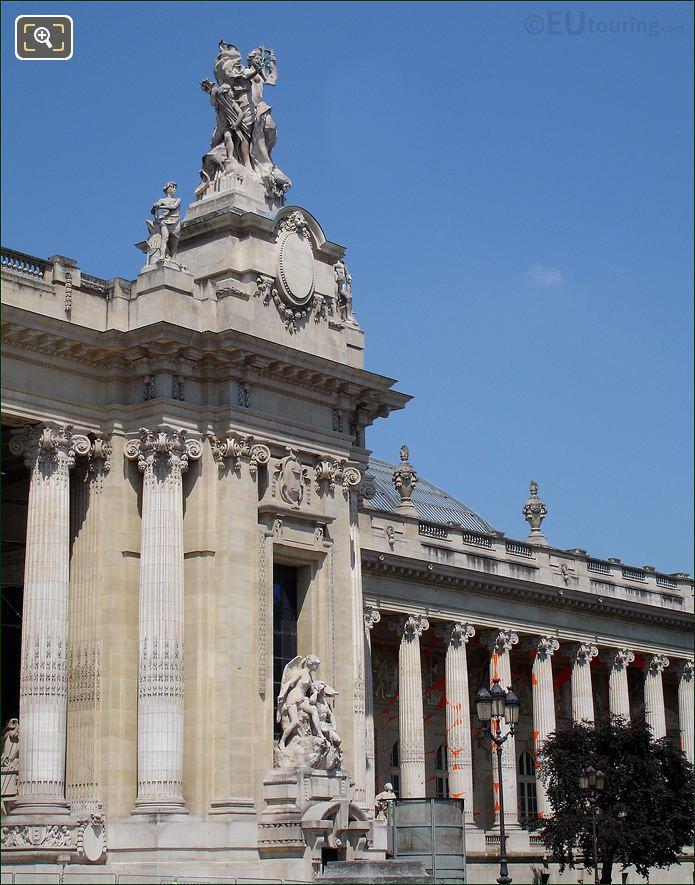 Sculptures On The Grand Palais