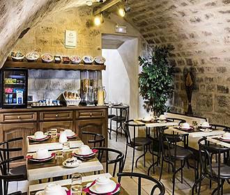 Hotel Cujas Pantheon breakfast room