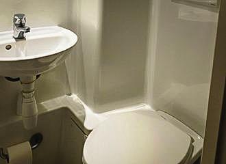 Hotel De l Ermitage Bathroom