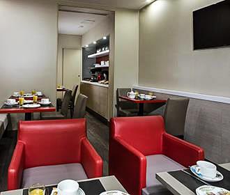 Hotel des Pavillons breakfast room