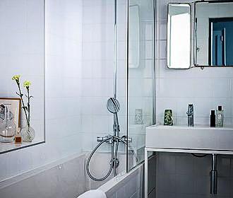 Hotel Henriette Bathroom
