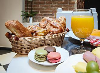 Hotel Le Clos Notre Dame Breakfast