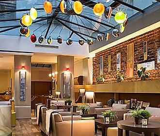 Hotel Le Six bar