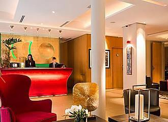 Hotel Le Six reception