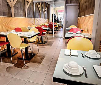 Hotel Maubeauge In Paris