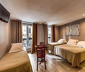 Hotel Montmartre Clignancourt quadruple room