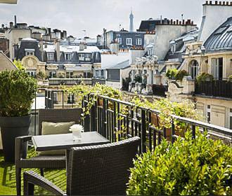 Hotel Residence Foch Bedroom Balcony