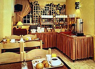 Hotel Victor Masse Breakfast Room