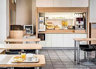 HotelF1 Paris Porte de Montmartre Breakfast Room