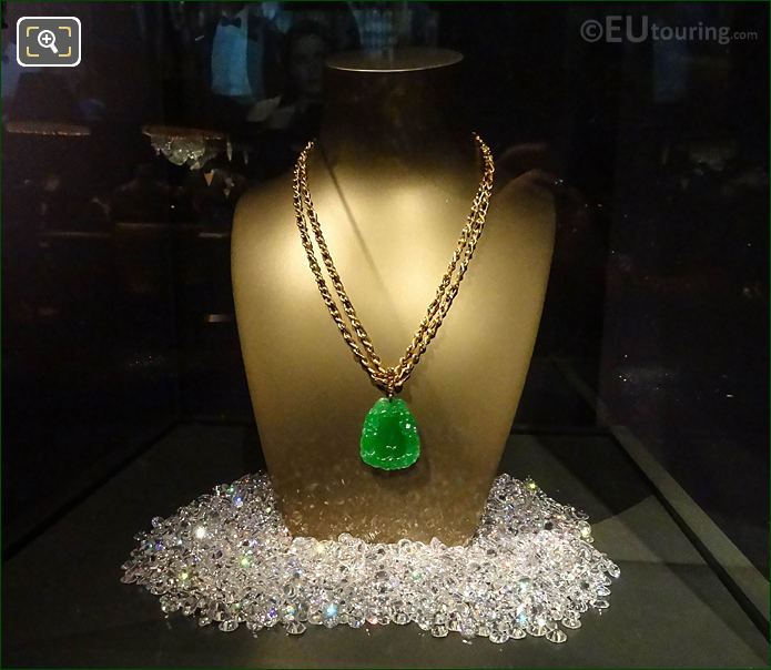Jade Necklace By London Jewellers