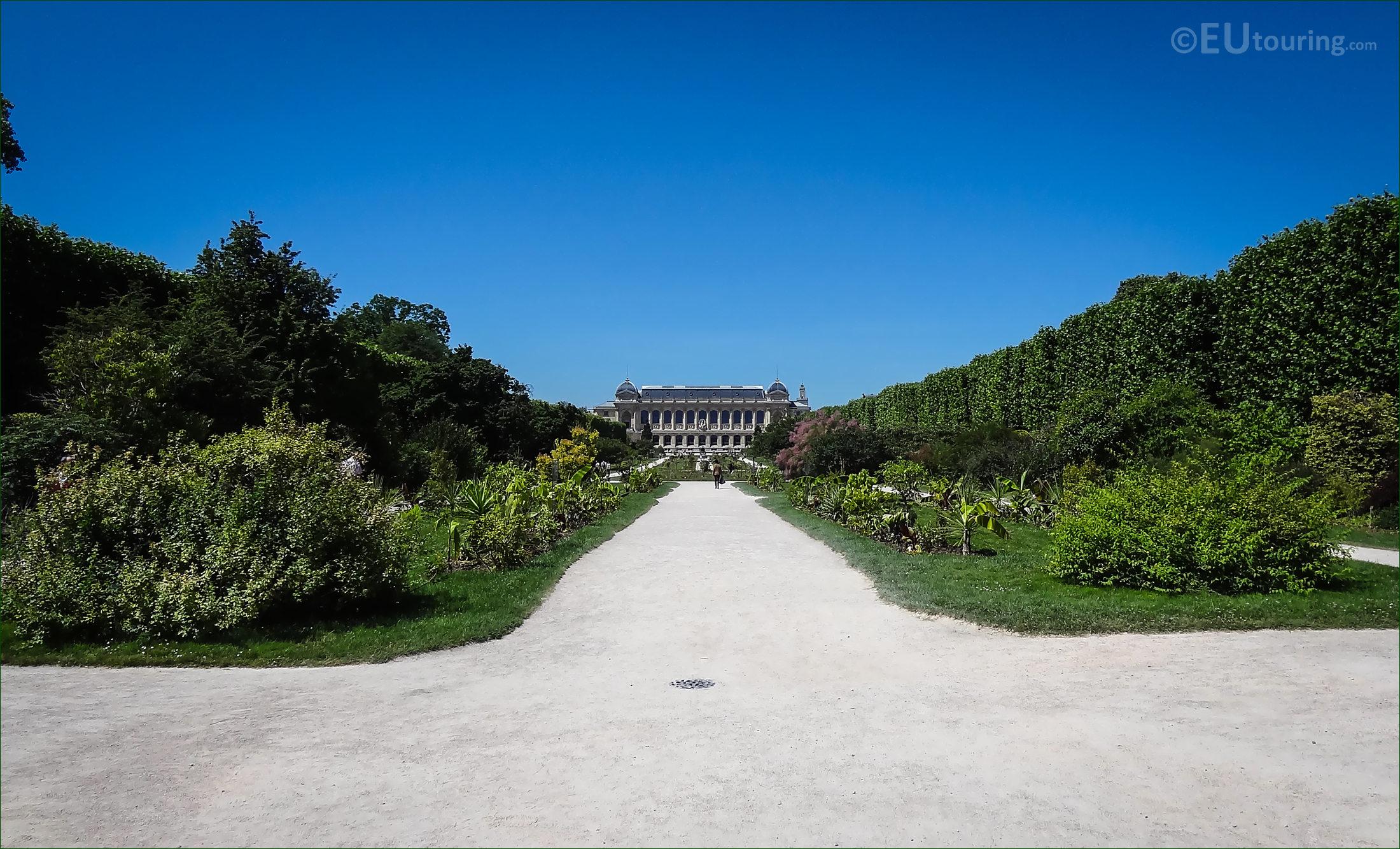 Hd photographs of jardin des plantes in paris france for Allee de jardin