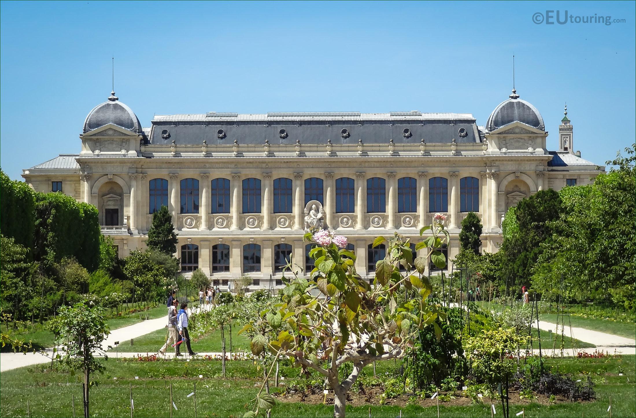 HD graphs Jardin Des Plantes In Paris France