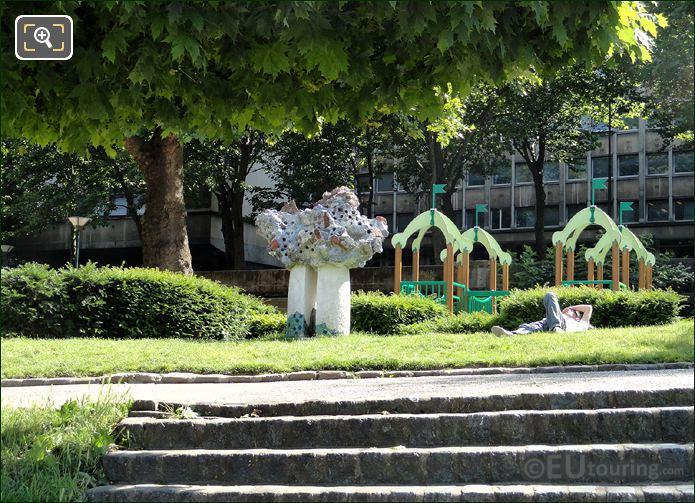 Jardin Tino Rossi Playground Area