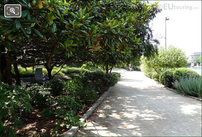Jardin Tino Rossi Pathway