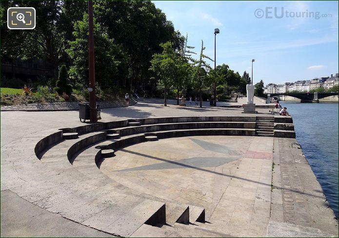Amphitheatre In Jardin Tino Rossi