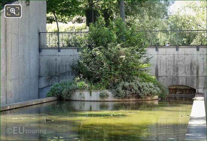 Yitzhak Rabin Garden Island Water Feature