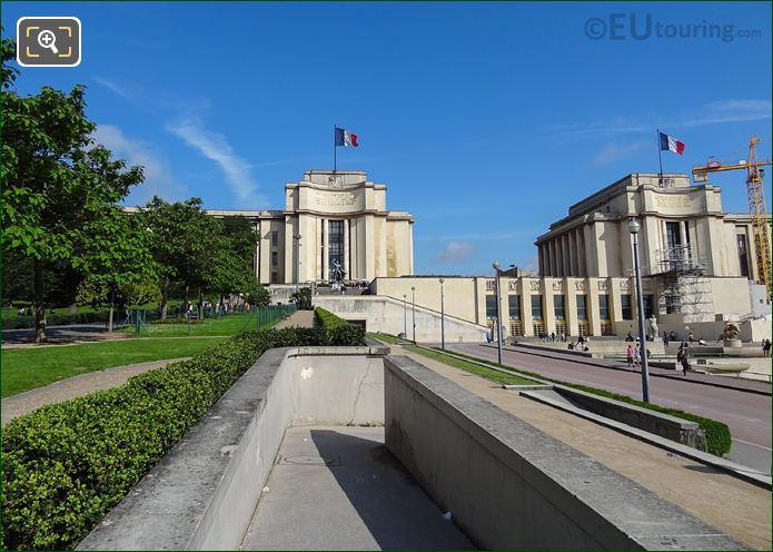 Avenue Albert 1er De Monaco Pathway In Jardins Trocadero Looking North
