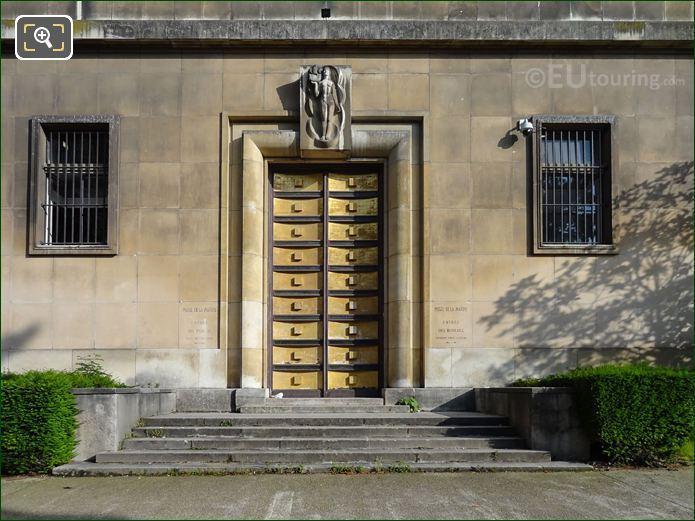 Palais De Chaillot West Wing Gilded Doors In Jardins Du Trocadero Looking North West