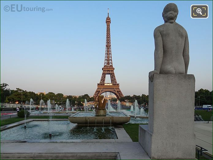 Fontaine Du Trocadero With Statues And Eiffel Tower