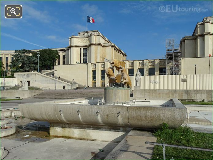 Palais De Chaillot Inside Jardins Du Trocadero Looking North