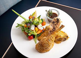 Jazz Club Etoile Chicken Dish
