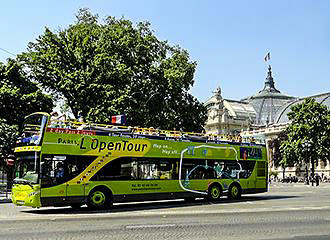 Bus Tour In Paris