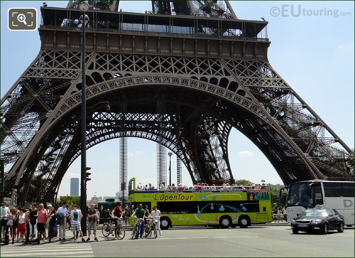 L'OpenTour Bus And The Eiffel Tower